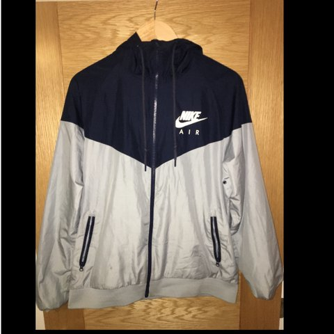920d39b74585 Nike Air LightWeight Jacket Size Medium Great Condition. NO - Depop