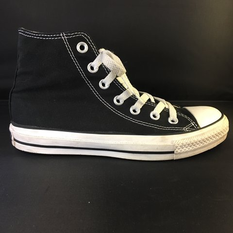 ed884dff69 Old school retro converse all star Chuck Taylor converse. - Depop
