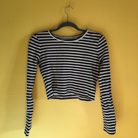aa0529b98b7 @rneaghan. 7 months ago. Oak Park, United States. black and white striped  shirt!! cropped so it looks good ...