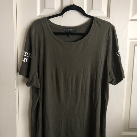 c03cb4ea9 Plus size tee #forever21plus #plus size #forever21 #green - Depop