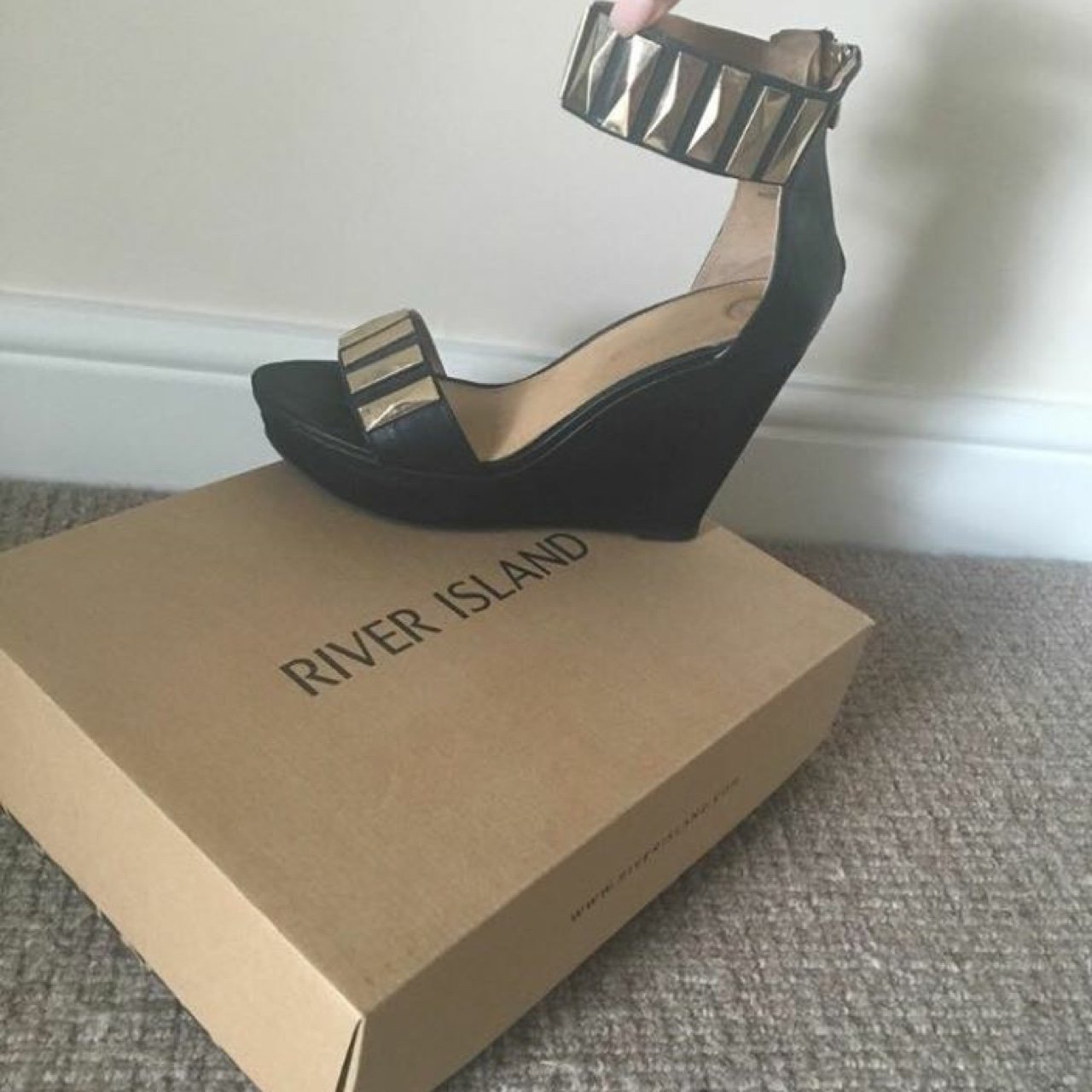 e6dd3733d805 River Island Black and Gold Stud Wedges. Size 7 - Depop