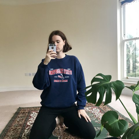 3634dc6dd4 A classic 00 s American sweatshirt 🎖 this navy blue sweater - Depop