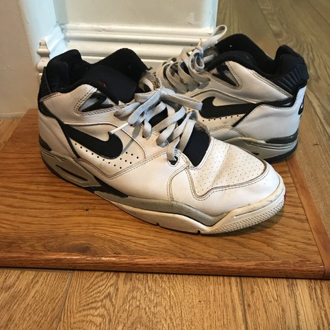 f76e5ff92038 Vintage Nike Air Flight 89. These are in a men s 10.5. These - Depop