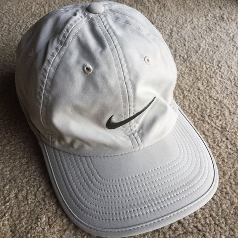 3e37d885 @shesuccme. last year. Roseville, United States. Dri-fit Nike Dad Hat. Perfect  condition #cybermonday