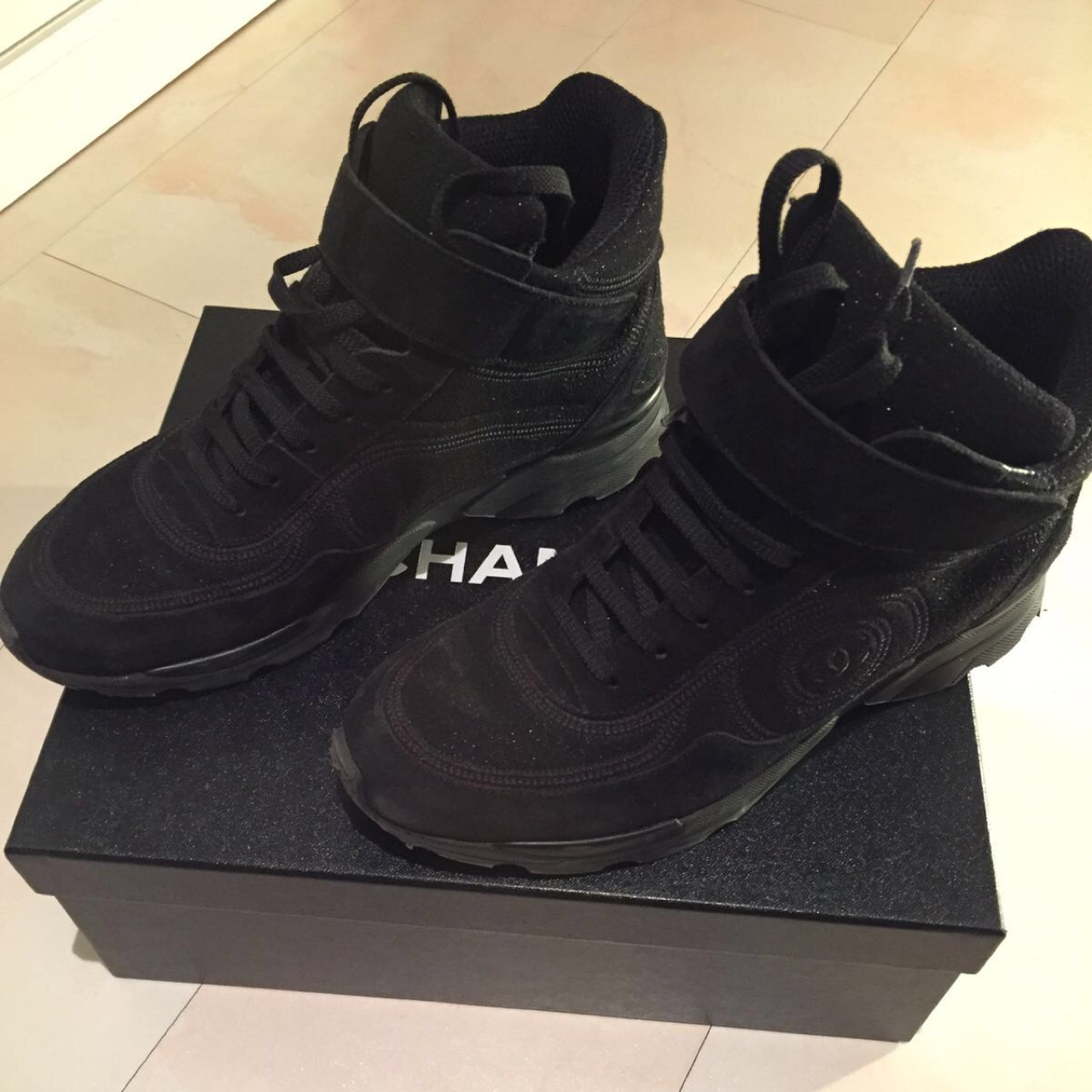 Chanel Black High-Top sneakers size 37