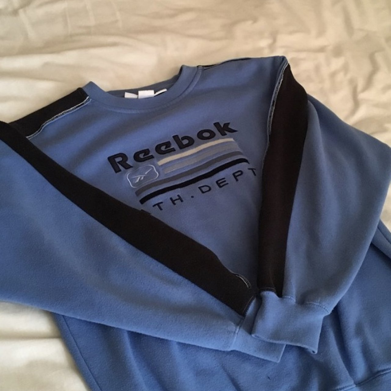 546e94b2f22b REEBOK blue vintage sweatshirt Great