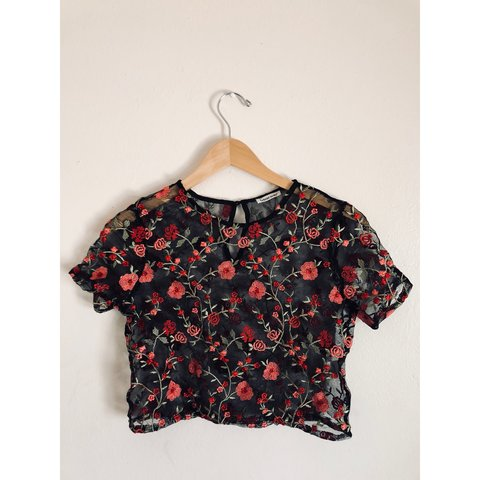 5e587ad7666f53 🌹 Rose Embroidered Lace Top 🌹 This gorgeous top gives the - Depop