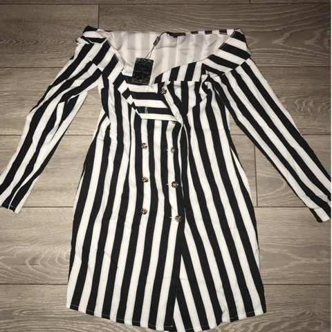 187b807d257f @katiesalmon. 6 months ago. Birkenhead, United Kingdom. Brand new with tags  black and white blazer dress. Off the shoulder size 8-10