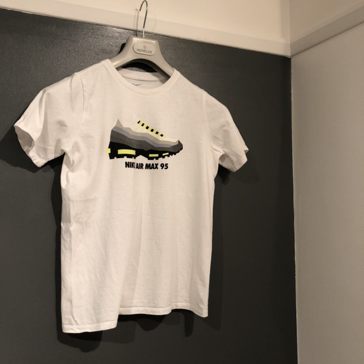 Nike Airmax 95 White T Shirt With Og Neon 95s Size Depop