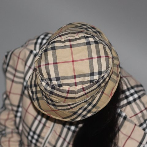 d369e77773f53  dabell1988. yesterday. United Kingdom. Unisex Burberry Reversible Bucket  Hat One Size Fits Most