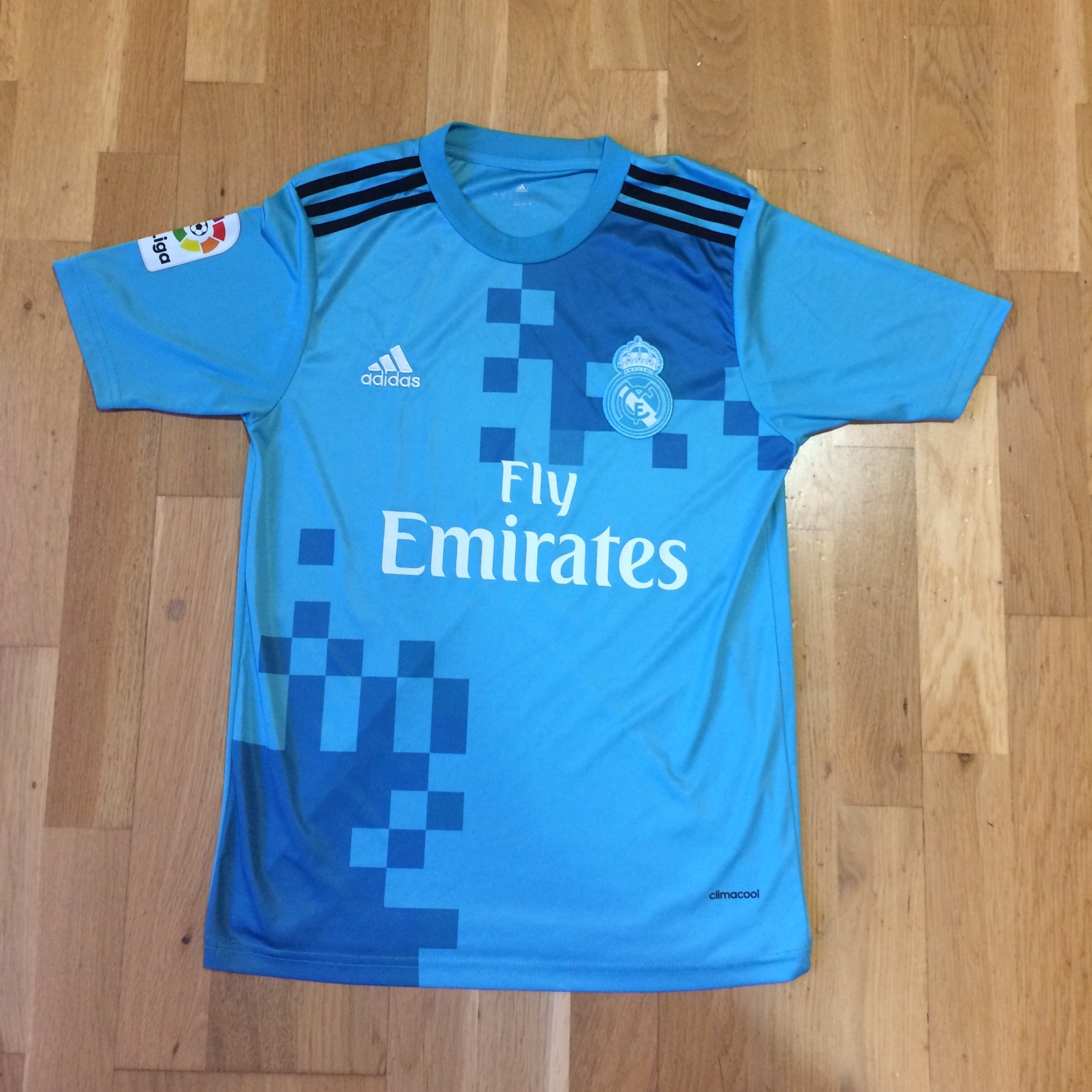 factory authentic a4362 9bc9d Light blue Real Madrid football jersey.