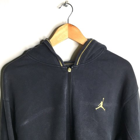 ebc4eccd0b67 Vintage Air Jordan Nike 23 Black Zip Up Hoodie - Size is no - Depop