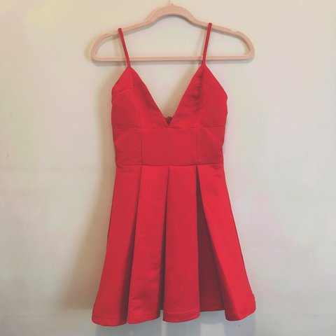 83580ea853cc RED SHORT SEXY DRESS - SIZE 8 - only worn once - perfect - Depop