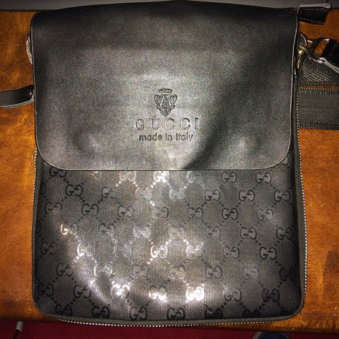e6205ba8fd FAKE! Gucci messenger bag - gucci all over print with strap