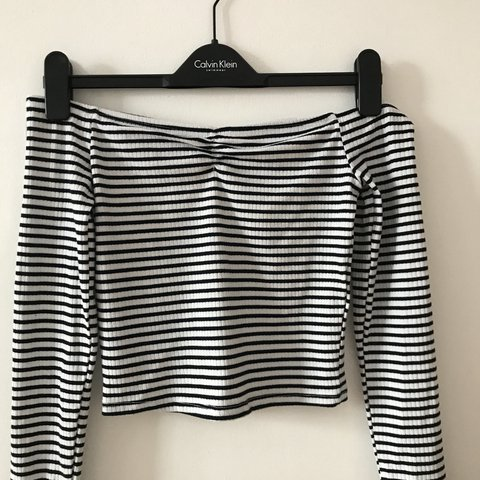 773a664febb2f Brand new stripe off the shoulder top from new look size 6 - Depop
