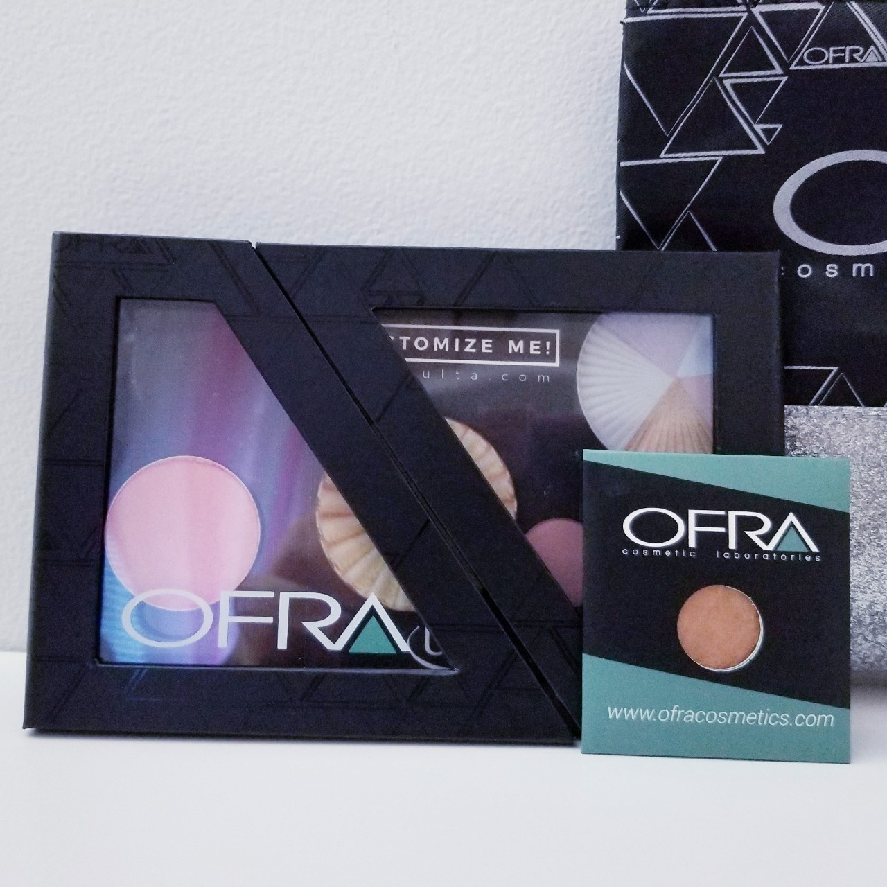 Ofra Cosmetic Laboratories □Black and Glitter Glam    - Depop