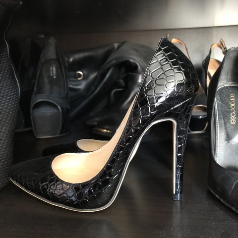 bfb66fa3821 Never been worn Black snakeskin pointy pointed heels Will a - Depop