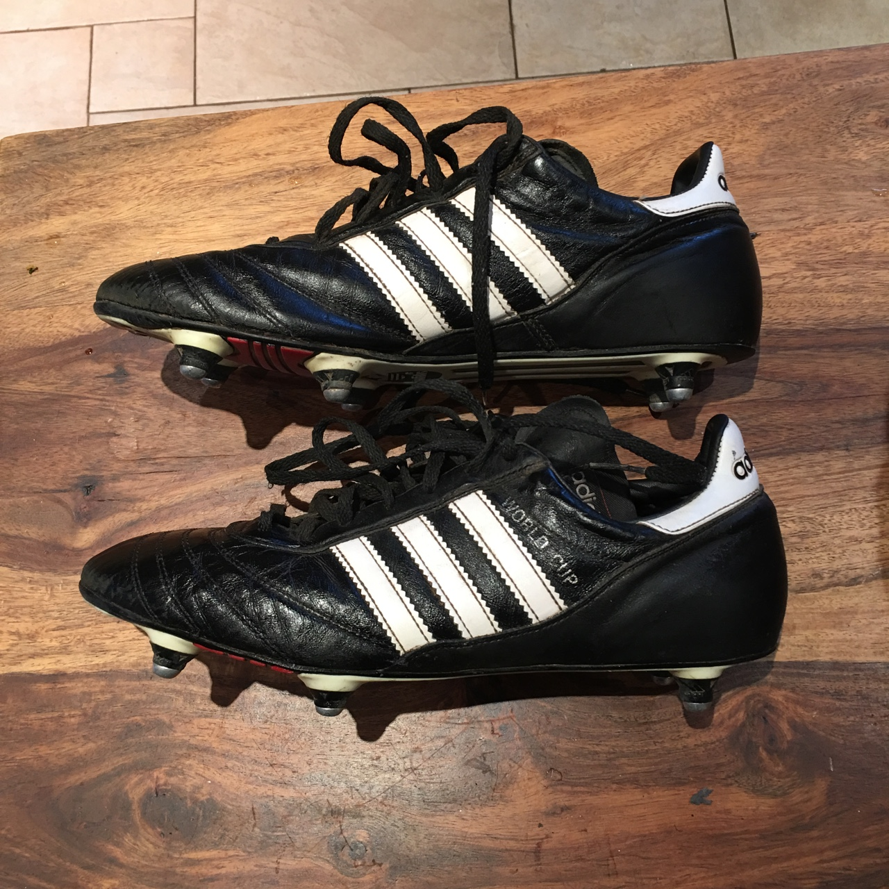cups size 9.5uk Used football boots - Depop