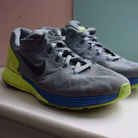 20eacca0774d Nike Lunar Glide running trainers size 5. Grey with blue and - Depop