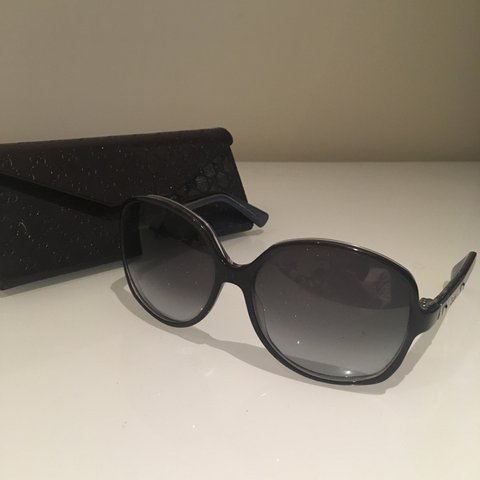 3f3b6b1d95e Genuine womens Gucci sunglasses. Hardly been worn due to not - Depop