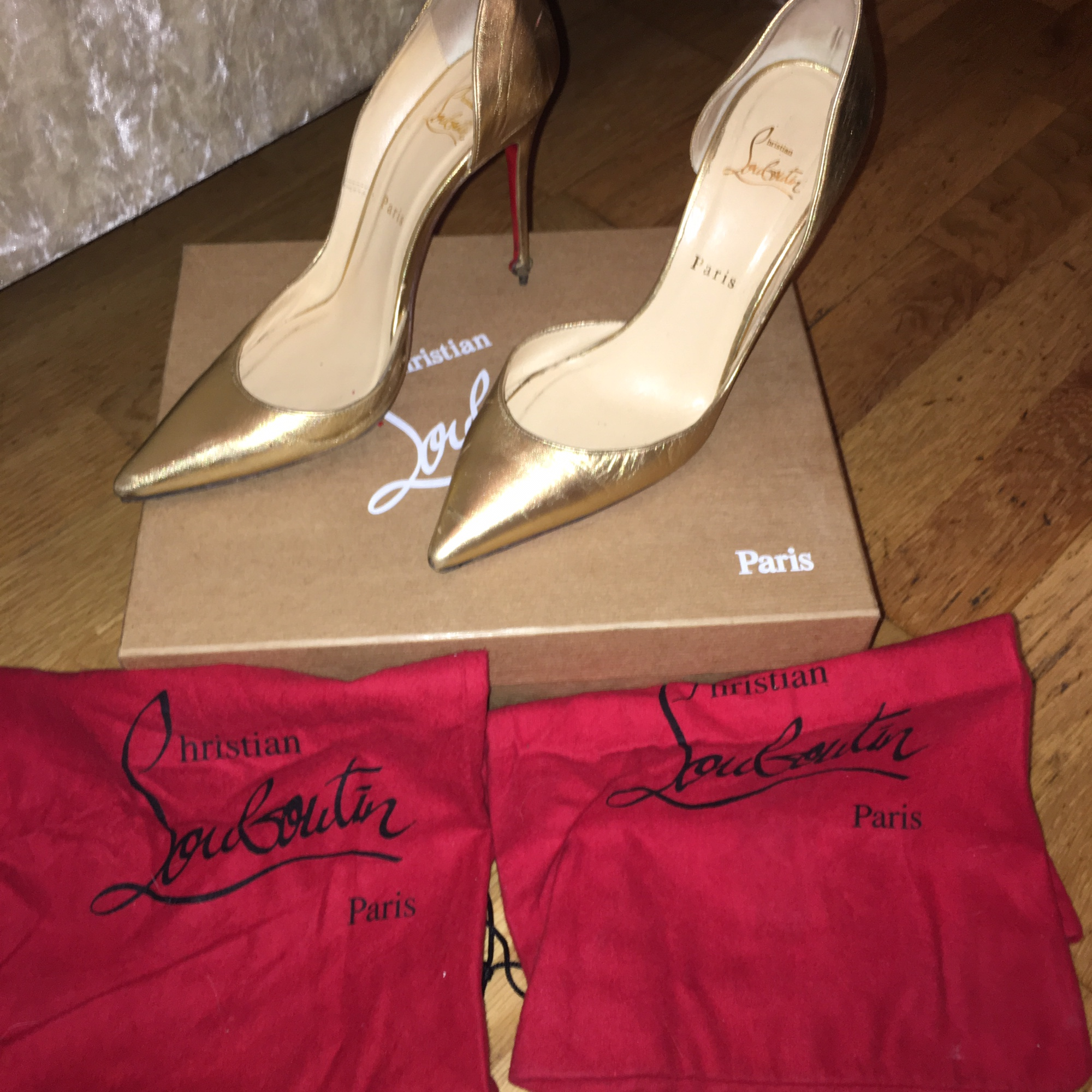 buy online fdac1 00a34 Beautiful Christian louboutin pigalle 100's. They... - Depop