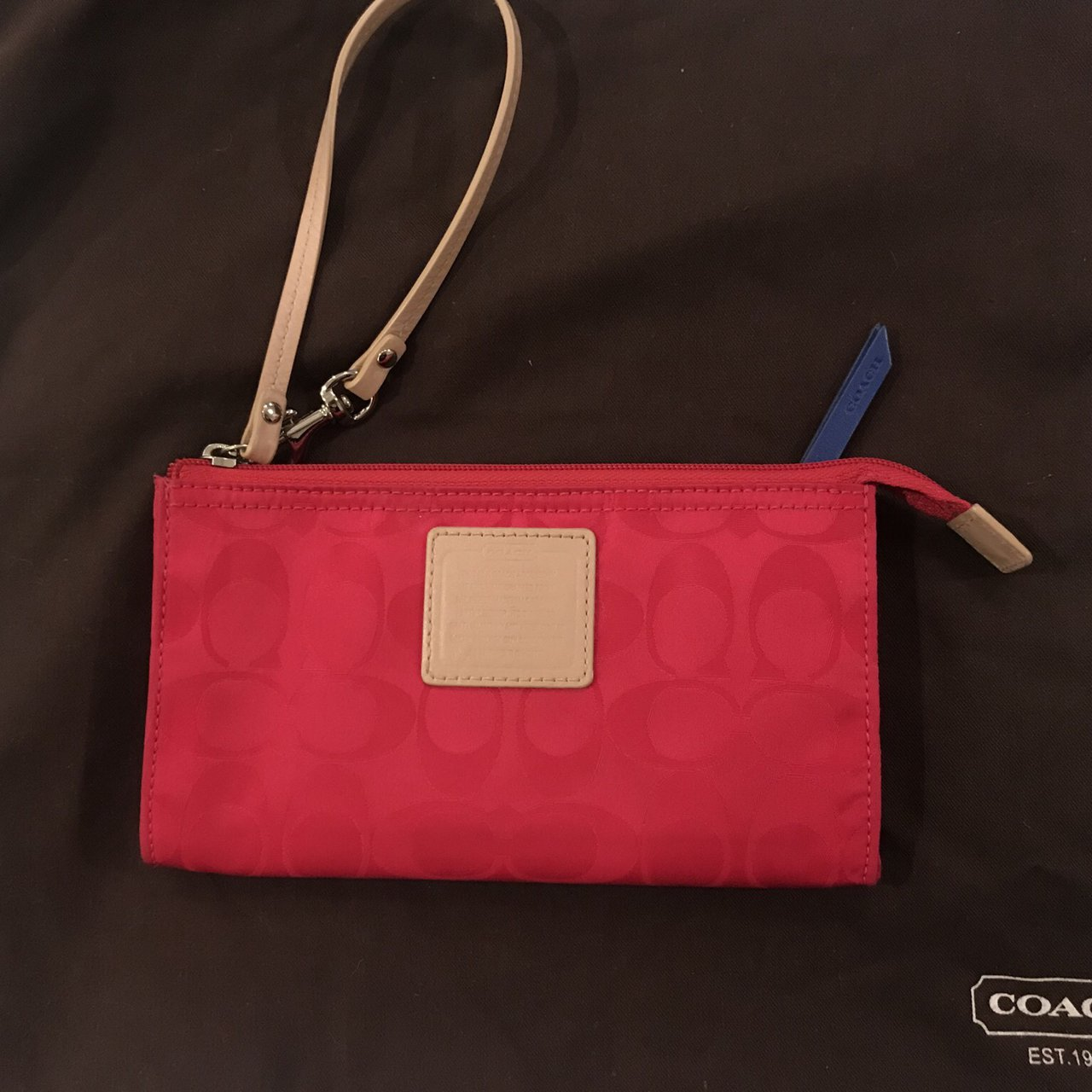 COACH wallet clutch. Tiny stain on back (barely visible.) - Depop effd1b0577