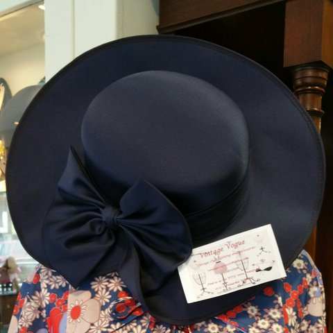 f8b43259a0170 Vintage ladies wide brimmed navy hat with satin bow detail. - Depop