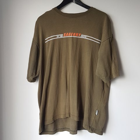 125a4851 saucony t shirt Vintage saucony t-shirt Vintage condition Size extra large  - Depop;