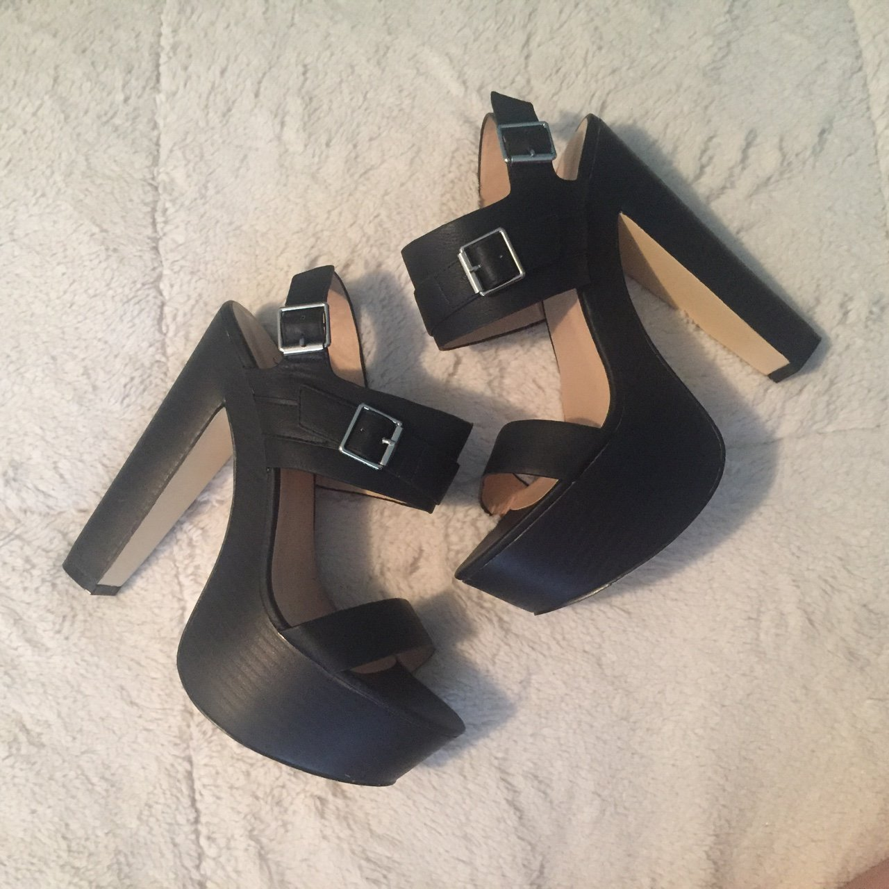 804732a9d48c Just Fab Chunky Heels. Has A Leather Style
