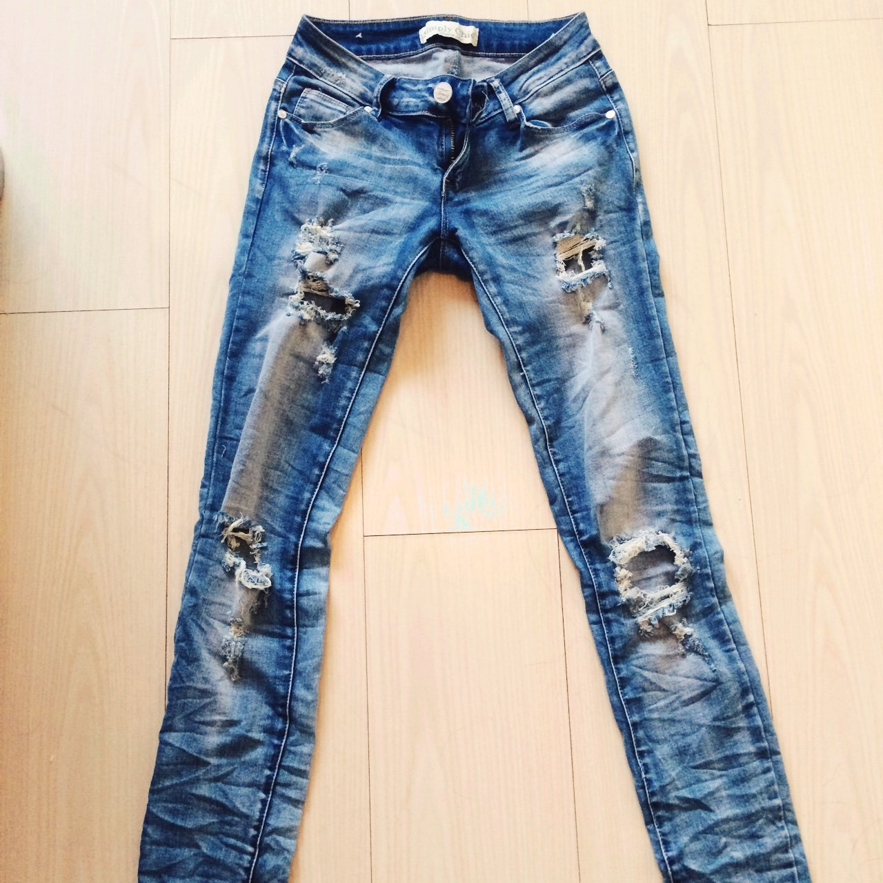 7e04ee895eb134 Destroyed jeans size 36. Never