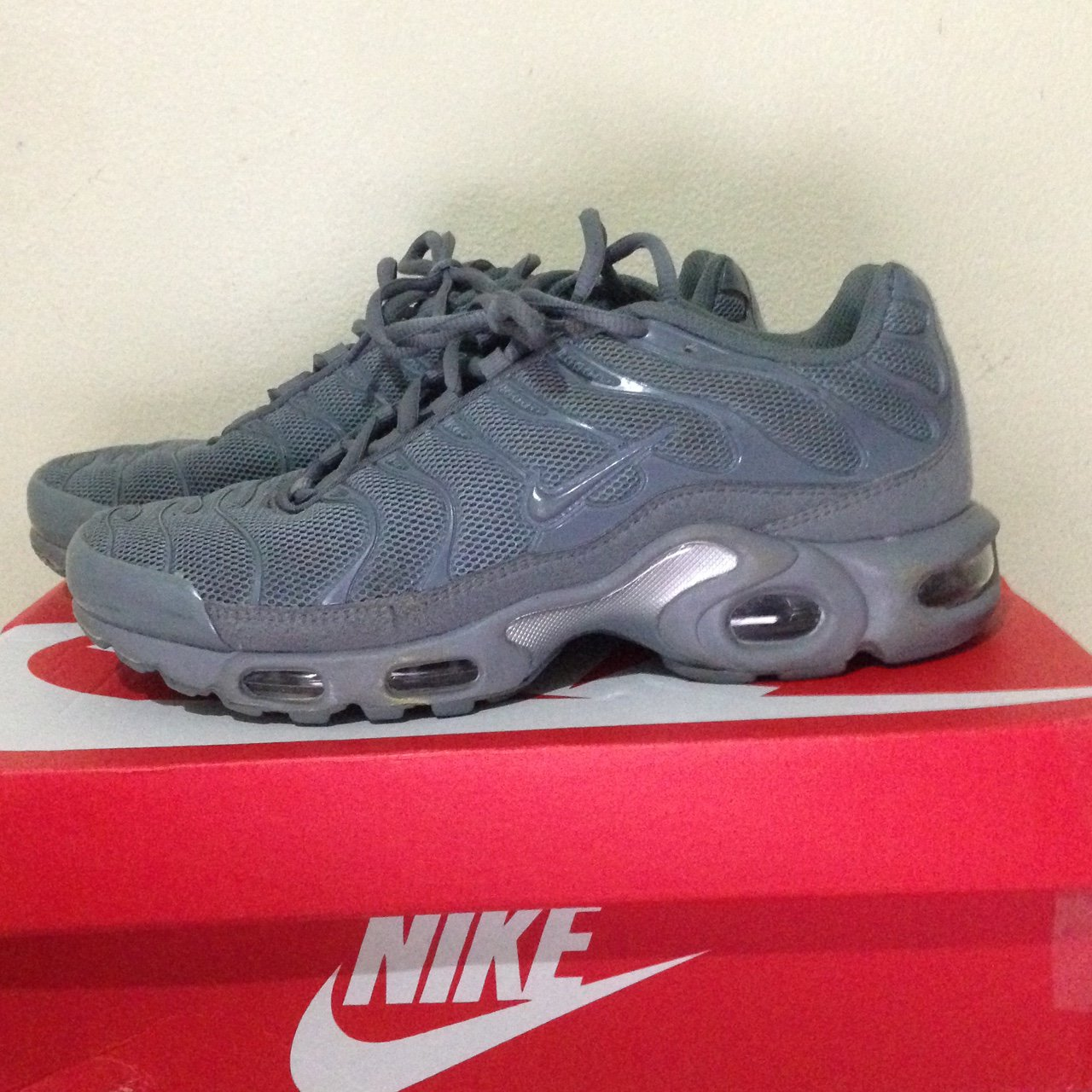 297c20e8d5e All grey Nike air max plus tn. Size US 7 in good condition a - Depop