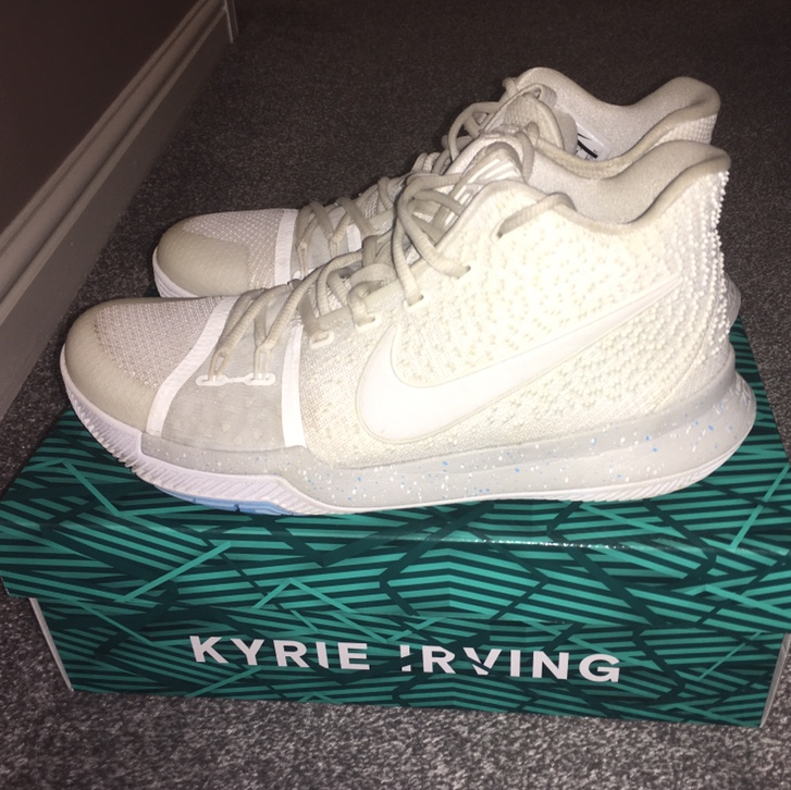 cheaper 181bd c1437 PRICE REDUCTION Nike Kyrie 3 Ivory SIZE 9 UK 9.5/10... - Depop