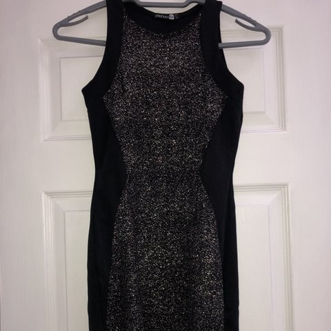 3423d0bf24a2 @emilyybarker. 2 months ago. Horsham, United Kingdom. Sparkly black bodycon  dress. Boohoo night style. Size 8 ...