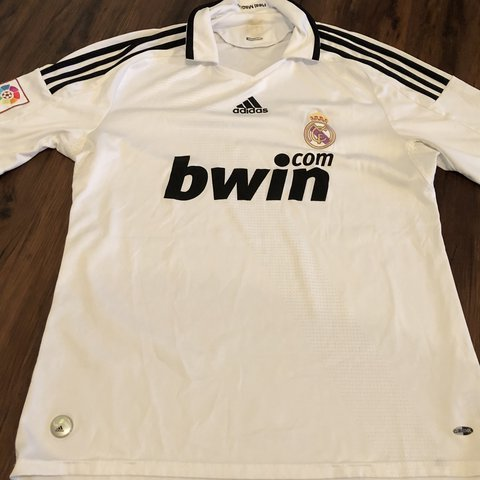 300e018c5 Real Madrid jersey from I forgot what Year! Original jersey - Depop
