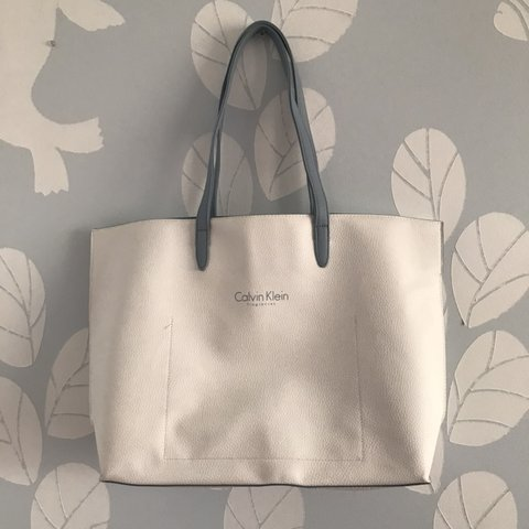 3a058096fb3fb  fzee. 3 days ago. United States. ⚠️FREE SHIPPING⚠ - Calvin Klein fragrance  tote bag