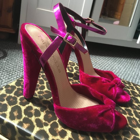 4d74ac4485bf Asos Paper Dolls Fuchsia Pink Velvet Bow Sandals. High with - Depop