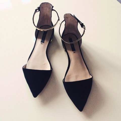 3b20dd0d66f 17 IF BOUGHT TODAY!!! Zara black ankle strap pointy pointed - Depop