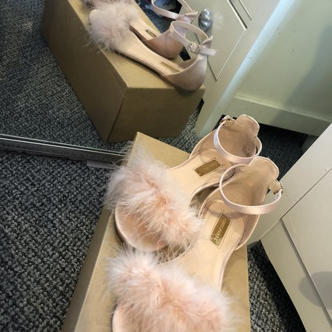 cc80410568b3 Size 5 Pink fluffy open toe flat sandals with adjustable a - Depop