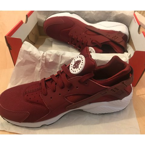 2689c179212 NIKE HUARACHE £65 INCLUDING POSTAGE IF GONE TODAY with a - Depop