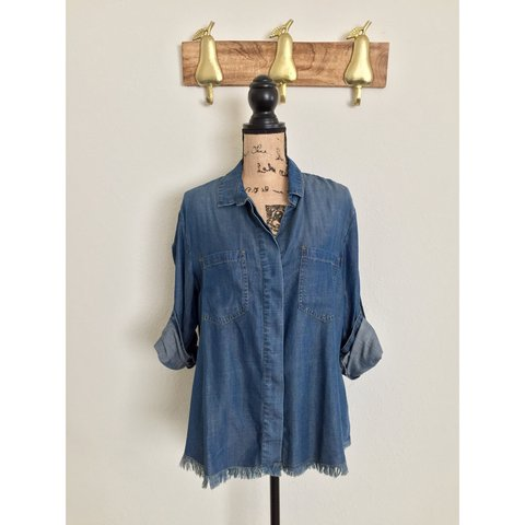 2ba4419adf886 Cloth and Stone chambray button down with raw hem