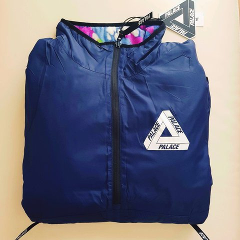 a84c9eea105e Palace Warper Reversible Fleece Navy MULTI COLOUR. Size  in - Depop