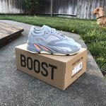 9417a2a12b42c PRICE IS FIRM!! Yeezy Wave Runner 700. Size 4 in men s 6 in - Depop