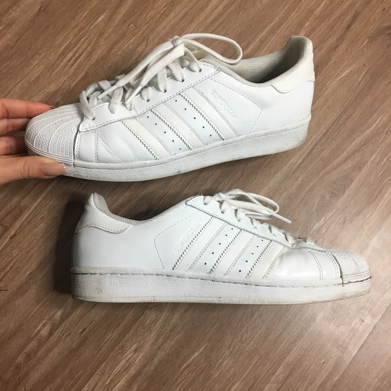 Adidas superstar 41 1/3 - Depop