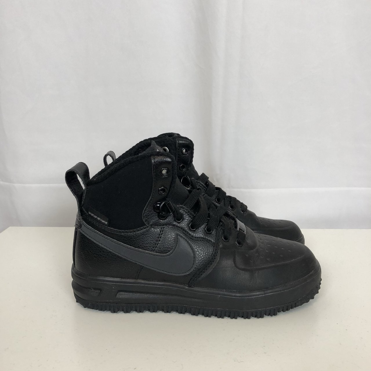 NIKE AIR LUNAR FORCE 1 SNEAKERBOOT WATERPROOF LEATHER     - Depop 86013a0e3a