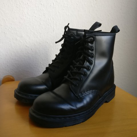 ea0ae2dc90c8 @prionggohome. last year. Erfurt, Germany. Dr. Martens 1460 Mono All black  smooth leather boots