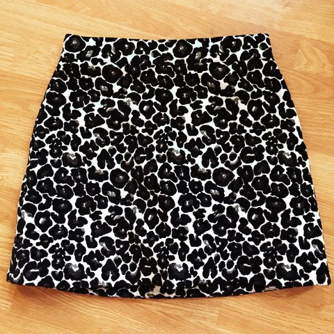 39f84ef37d @eviejanerose. 2 years ago. London, United Kingdom. Black and white leopard  print #topshop #mini #skirt - worn once and in great condition. Size 10.