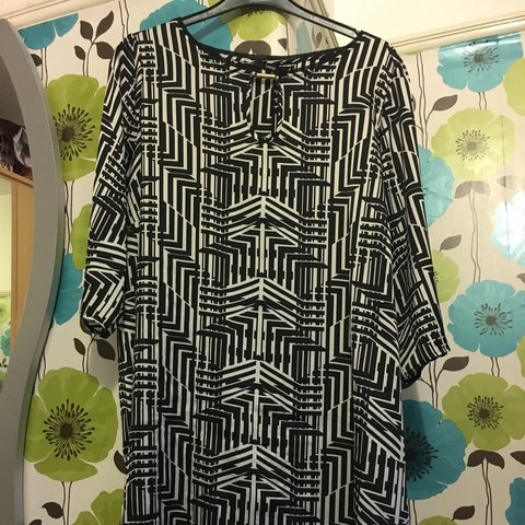 e5bd25a3263 George black n white tunic dress size 24 3/4 sleves £7 - Depop