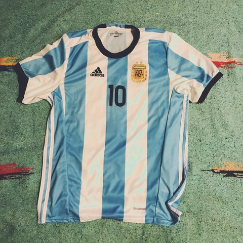 872391349 Messi Argentina adidas youth large aka adult small Jersey - Depop