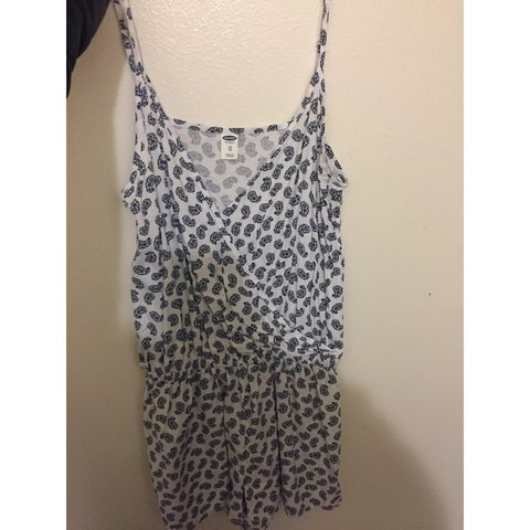 91c1d4cd3177 really cute romper from old navy. i bought it over the never - Depop