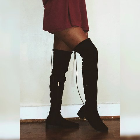 562f2b330d31 Suede Pointed Thigh High Boots - size 11 fit more like a 10 - Depop